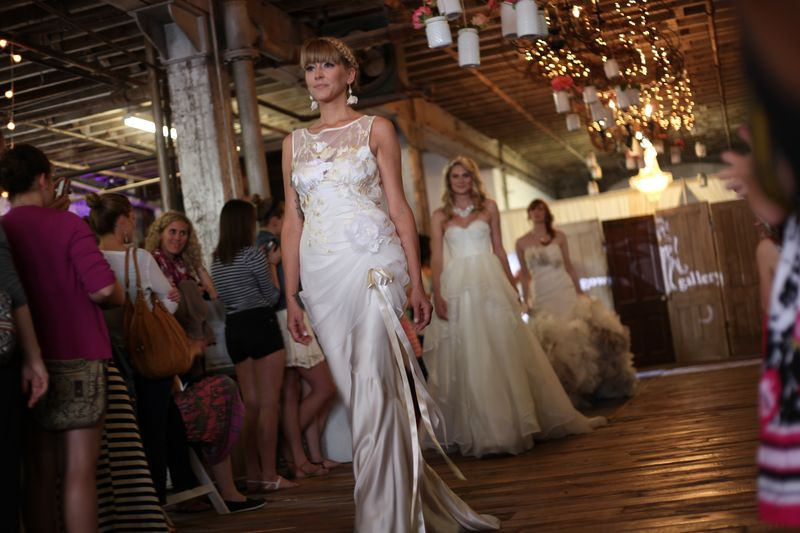 bridal show dress wedding vintage runway ideas